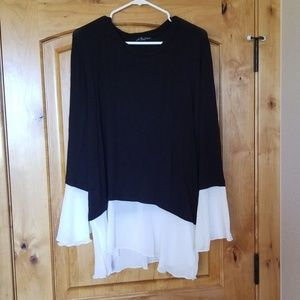 Kim and Cami flowy blouse